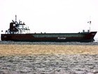 Praticagem 'barra' entrada de navio vindo de Guiné no Porto de Santos, SP