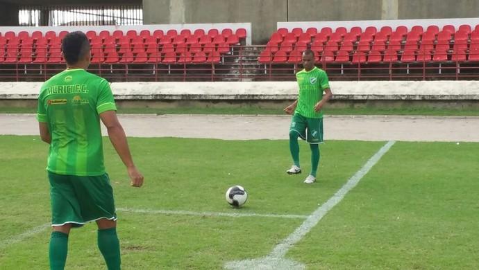 Paulo Sérgio, lateral do Murici (Foto: Augusto Oliveira/GloboEsporte.com)