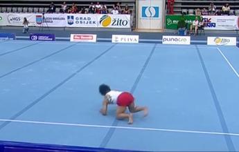 Japonês cai de cara na final do solo da Copa do Mundo de Osijek; veja vídeo