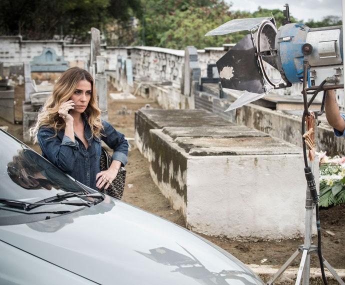 Giovanna na pele da vilã Atena (Foto: Raphael Dias / Gshow)