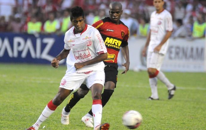 Náutico x Sport - Tobi - Rodrigo Tiuí (Foto: Aldo Carneiro)