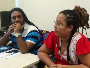 Mel Adún e Henrique Freitas, escritores do coletivo Ogum´s Toques (Foto: Danutta Rodrigues/G1)