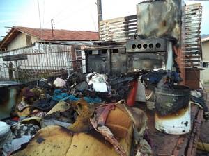 Mudança trazida para São Bento do Sul foi queimada em caminhão  (Foto: Sd Staidel/Divulgação)