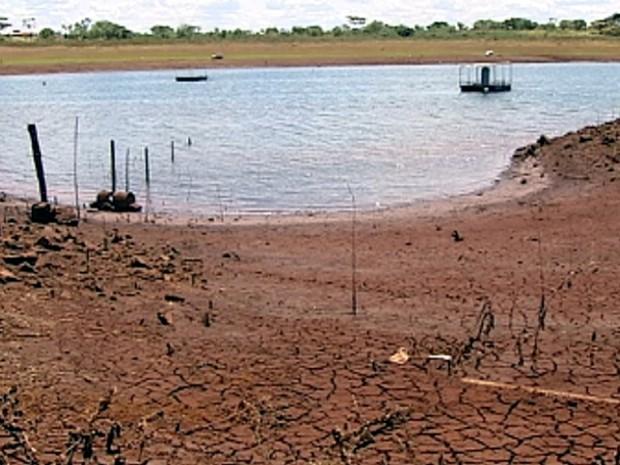 Nível do reservatório da usina chegou a 23% (Foto: Reprodução/TV Tem)