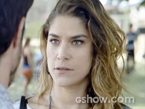 Raquel fica perplexa com reação de ex-marido (Foto: Malhação / TV Globo)
