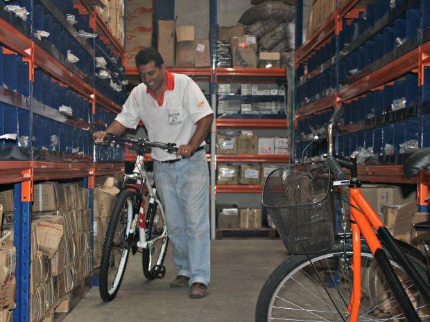 Empresário começou negócio em apenas um cômodo no bairro (Foto: Graziela Rezende/G1 MS)