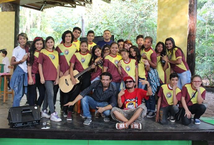 Jander Manauara participou de projeto na E.M Ana Maria de Souza Barros (Foto: Katiúscia Monteiro/ Rede Amazônica)