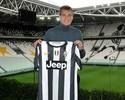 Bendtner terá que fazer dieta para poder jogar no Juventus