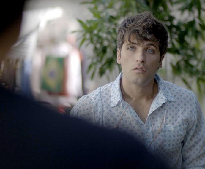 Murilo não engole o desaforo e parte para cima (Foto: TV Globo)