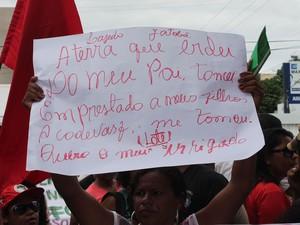 Herdeiros dos proprietários de terras do pontal querem seus lotes irrigados (Foto: Juliane Peixinho/G1)