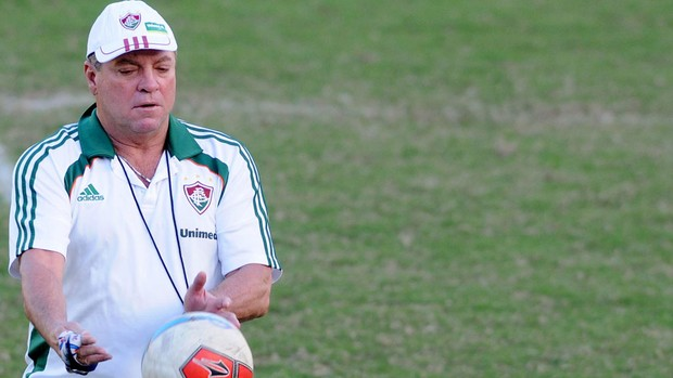 Abel Braga treino Fluminense (Foto: Dhavid Normando / Photocamera)