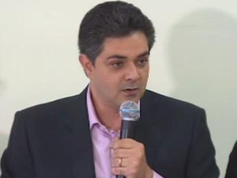 O candidato a prefeito de Taubaté, Ortiz Júnior. (Foto: Reprodução/TV Vanguarda)