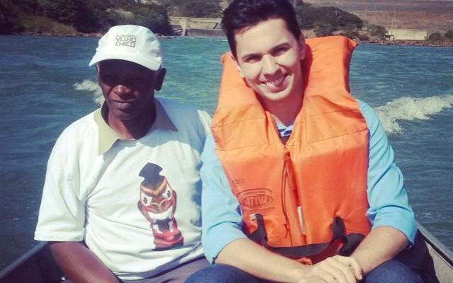 Pablo Caires visita o Rio São Francisco como pescador Norberto Santos. (Foto: Arquivo Pessoal)