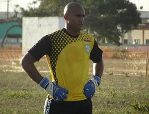 Danilo, goleiro do Alecrim (Foto: Tiago Menezes)