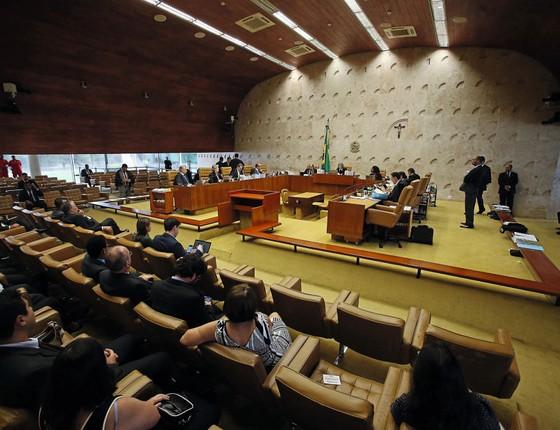 Ministros do Supremo reunidos no plenário.O tribunal tem processos demais e não foi planejado para conduzir ações criminais (Foto: ANDRÉ DUSEK/ESTADÃO CONTEÚDO)