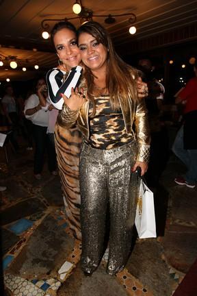 Ivete Sangalo e Preta Gil em restaurante no Rio (Foto: Manuela Scarpa e Marcos Ribas/ Foto Rio News)