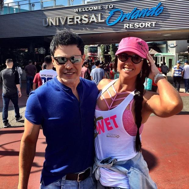 Graciele Lacerda e Zezé Di Camargo curtem férias em Orlando (Foto: Reprodução/Instagram)