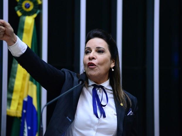 Deputada Raquel Muniz – (PSD-MG) durante discussão sobre o processo de impeachment na Câmara em 15/04 (Foto: Nilson Bastian/ Câmara dos Deputados)