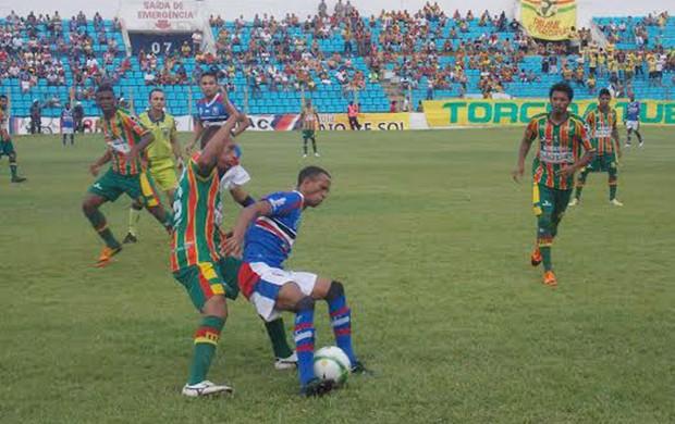 Sampaio e Maranhão fazem final da Copa São Luís e Tricolor vence (Foto: Bruno Alves/Globoesporte.com)