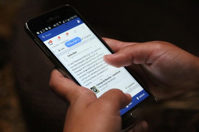 Facebook vai permitir agendar transmissões de vídeos ao vivo em páginas verificadas (Foto: Luciana Maline/TechTudo)