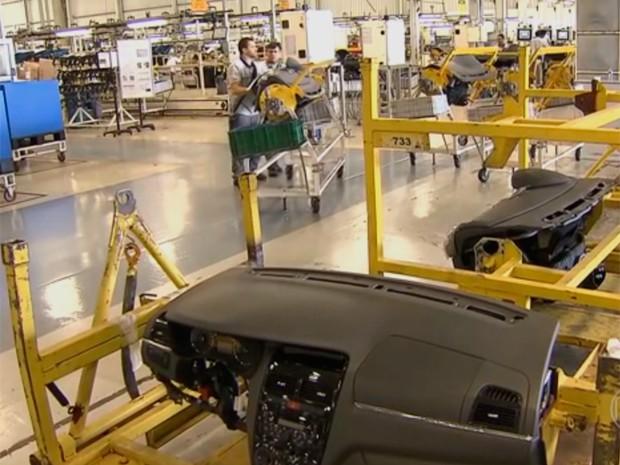 Fiat dá férias coletivas a partir de 27 de janeiro a parte de empregados de fábrica em Betim (Foto: Reprodução/TV Globo)
