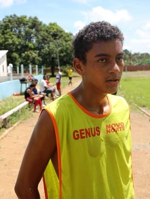 Caio tem 16 anos e está seguindo o passos do pai, Dudu, capitão do Jipa  (Foto: Globoesporte.com)