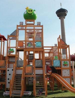 Parque de 'Angry Birds' na Finlândia tem brinquedos inspirados no game (Foto: Divulgação)