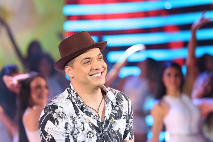 Safadão se emociona no palco do 'Domingão' (Foto: Carol Caminha/Gshow)