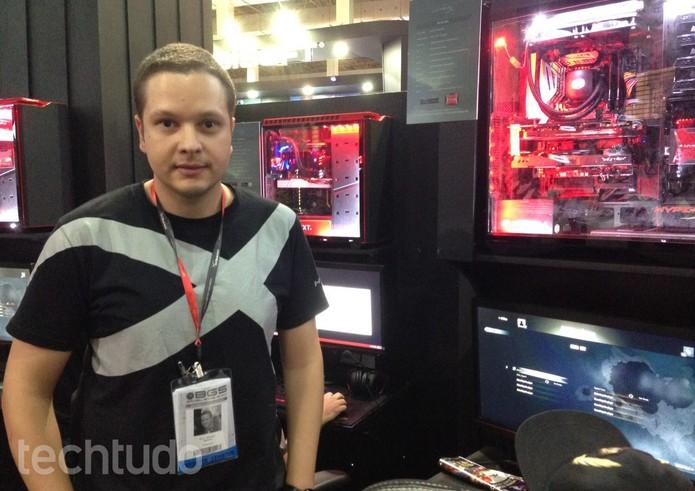 Especialista em hardware da HyperX, Iuri Santos (Foto: Cassio Barbosa/TechTudo)