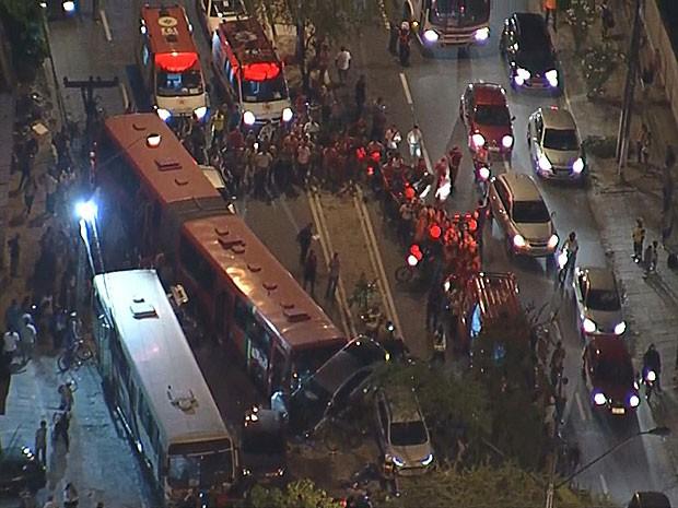 Acidente na Zona Sul do Recife (Foto: Reprodução / TV Globo)