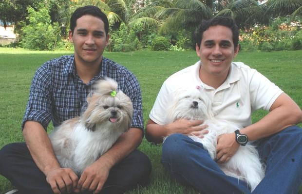 Sérgio Oliveira e Philipe Coutinho, da Meu Peludo: eles querem ajudar donos a encontrar seus animais (Foto: Divulgação)
