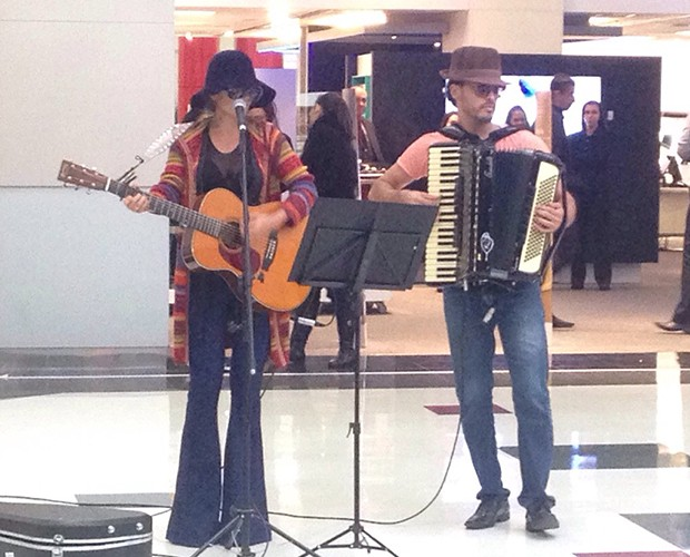 A gata da música sertaneja ficou irreconhecível (Foto: Nathália Gomes / Gshow)