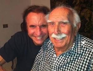 """O """"Barão"""" Wilson Fittipaldi ao lado do filho Emerson Fittipaldi em 2012 (Foto: Arquivo Pessoal)"""