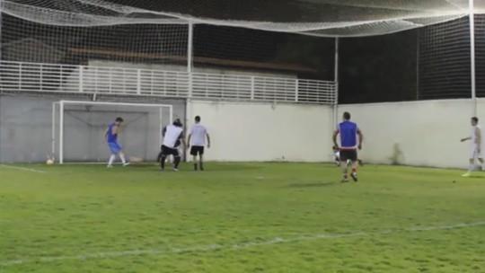 Gol perdido embaixo da trave recebe edição pirata do Inacreditável FC