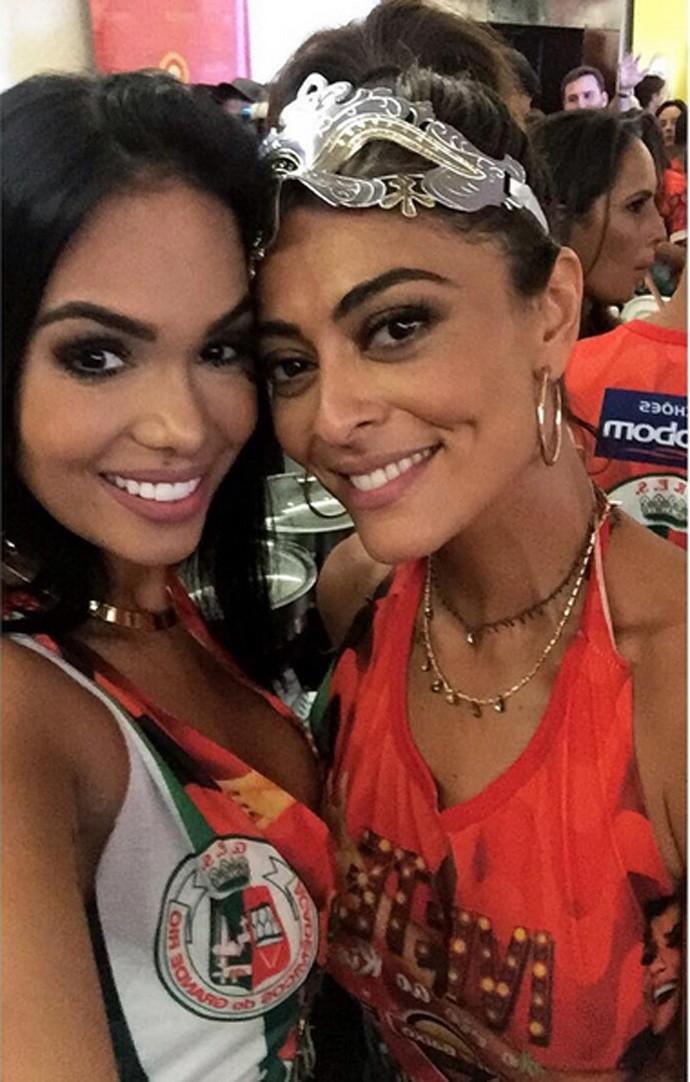 Mayara Motti posa com a Juliana Paes em um feijoada da Grande Rio (Foto: Arquivo Pessoal)