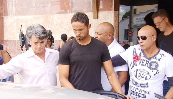 Goleiro Bruno Fernandes é preso em Varginha (MG) (Foto: Régis Melo)