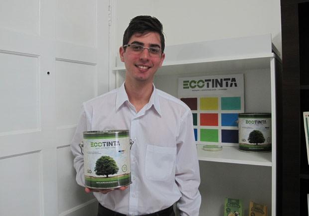 Jovem ganhou o título com o projeto de uma tinta ecológica (Foto: Mariane Rossi/G1)