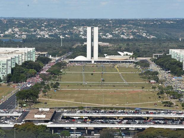 Esplanada dos Ministérios durante votação que vai decidir pelo prosseguimento ou não do processo de impeachment da presidente Dilma Rousseff (Foto: Alexandre Bastos/G1)