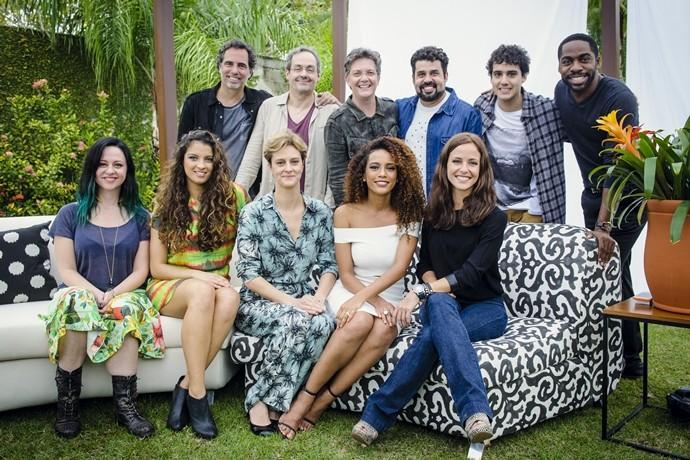 Elenco de Mister Brau se reuniu em evento de lançamento no Rio de Janeiro. (Foto: Globo / João Miguel Junior)