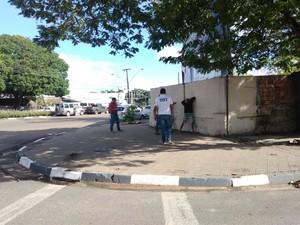 Assaltantes foram presos na manhã desta sexta (12), no Centro de Boa Vista (Foto: Emily Costa/G1)