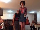 Camilla Camargo posa com modelo de 1,88m em gravação