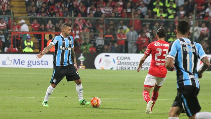 Edinho em jogo entre Toluca e Grêmio pela Libertadores (Foto: Eduardo Moura / GloboEsporte.com)