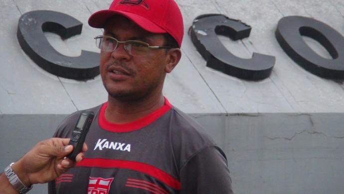 Jean Carlos, técnico do CRB Sub-17 (Foto: Paulo Victor Malta/GloboEsporte.com)