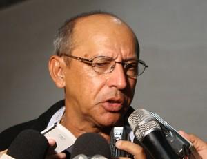 Neto Maradona, técnico do Botafogo-PB (Foto: Rammom Monte)
