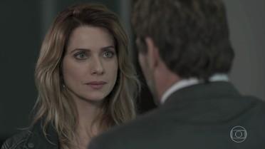 Lenita diz que precisa conversar assunto sério com Felipe