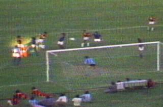 figueroa gol 1975 inter campeão brasileiro (Foto: Reprodução/RBS TV)