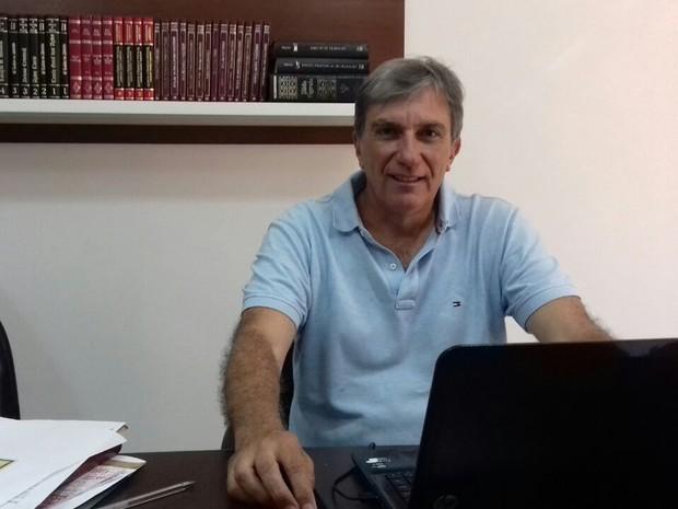 Recém empossado, Rafael Simões (PSDB) diz que fará em Pouso Alegre (MG) um governo de prioridades (Foto: Daniela Ayres/G1)
