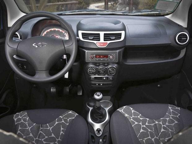 Interior do QQ também teve acabamento melhorado (Foto: Bufalos/Divulgação)