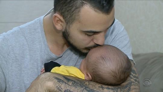 Uma defesa além das luvas: goleiro do Criciúma luta para salvar vida do filho