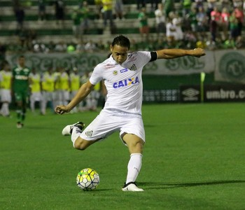 Ricardo Oliveira Chapeoense x Santos (Foto: Renato Padilha/Futura Press)